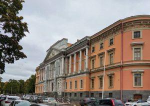 Циклон «Кийан» покидает Петербург. В городе стихнет ветер, но по-прежнему будет холодно и дождливо ☔️