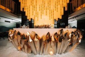 В отеле Wawelberg открыли заведение Minerals. Оно состоит из кафе, вечернего ресторана и кондитерской с авторскими десертами 🍮