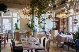 На набережной канала Грибоедова открыли семейный ресторан «Babуshka». Там подают блюда русской, итальянской и грузинской кухонь
