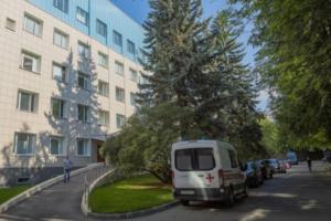 В Петербурге экстренно развернули более 2 тысяч коек под COVID-19. Вот какие больницы уже перепрофилировали