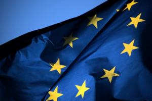Российская сторона тормозит взаимное признание COVID-паспортов, заявил посол Евросоюза. Они позволят россиянам въезжать в страны ЕС без карантина
