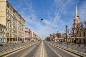 В Петербурге назвали улицы, где происходит больше всего аварий. Среди них — Лиговский и Дальневосточный
