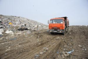 Из Петербурга запретили вывозить мусор в Новгородскую область. Почему это важно? И как решение отразится на мусорной реформе?