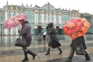 В субботу ветер в Петербурге усилится до 18 м/с. Ночью и днем ожидают дожди