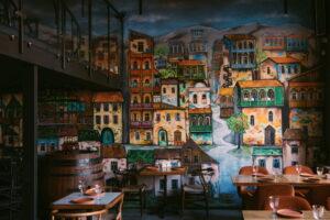 На Садовой улице открыли «Чачечную». Это грузинский ресторан, винотека и бар с безлимитной чачей