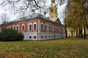 В начале октября температура в Петербурге превысила норму почти на 4 градуса ☀️
