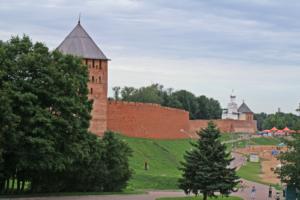 В Новгородской области ввели QR-коды для посещения кафе, музеев и гостиниц. В них пустят только вакцинированных или переболевших коронавирусом