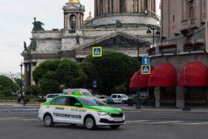 «Мужское государство» атаковало сервис «Таксовичкоф» из-за повышенного тарифа на услугу «Женщина-водитель»