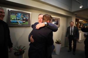 В Петербург прибыли «Ювентус» и Дик Адвокат. Посмотрите, как бывший тренер «Зенита» обнимается с Аршавиным ⚽️